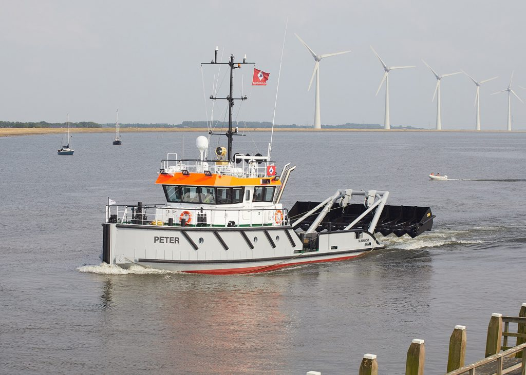 Dredging Dutch Dredging m.s. Peter Scania DI-13 diesel engines