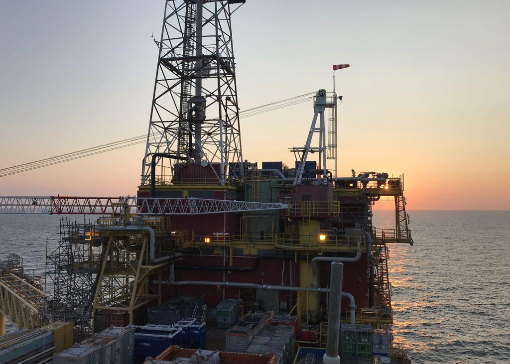 Offshore 170425 Nederlandse Aardolie Maatschappij K15A platform containers gasgeneratorset dieselgeneratorset