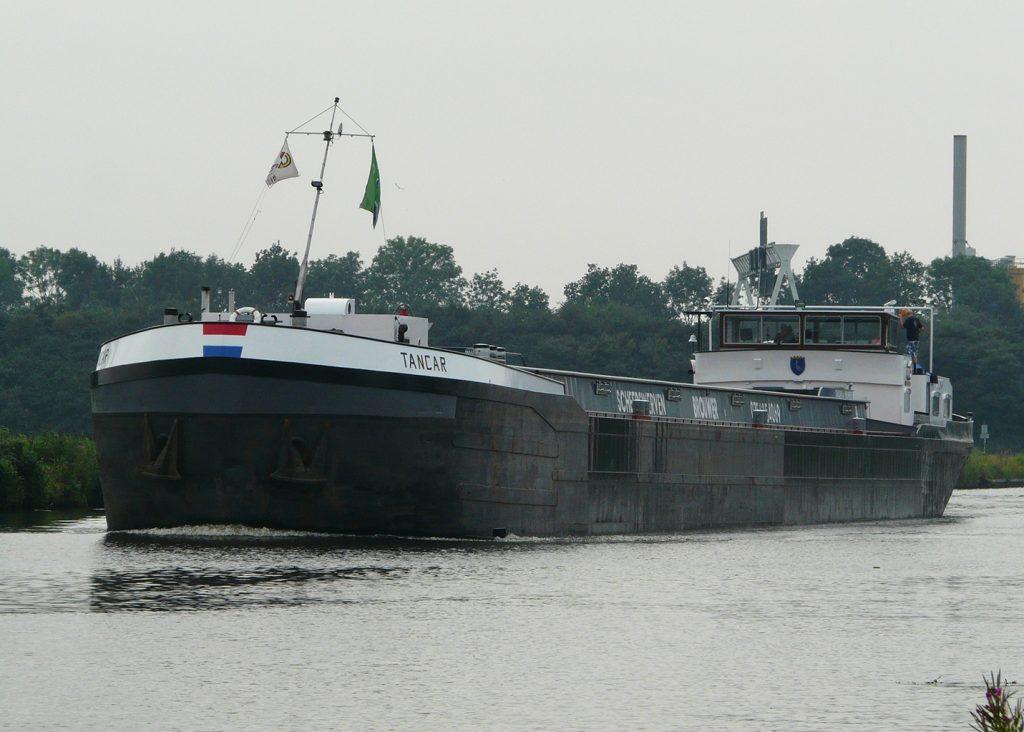 Sandfirden Technics binnenvaart Tancar Scania DI-13 inbouw